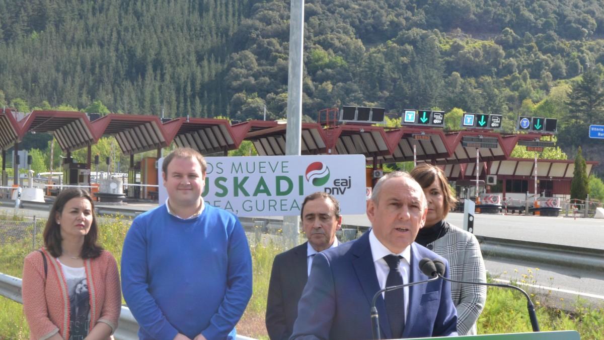 Ramiro González apuesta por bonificar el peaje de la AP-68 en dirección a Bilbao para los vecinos y vecinas de Ayala