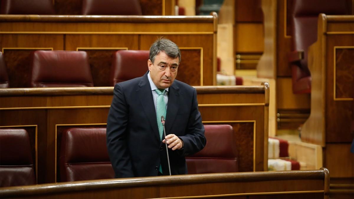 Aitor Esteban plantea a Sánchez un escenario sin restricciones de derechos ni cambios competenciales una vez controlada la pandemia