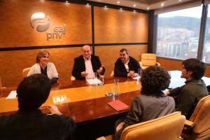Reunión  EAJ-PNV y Podemos Euskadi  en Sabin Etxea