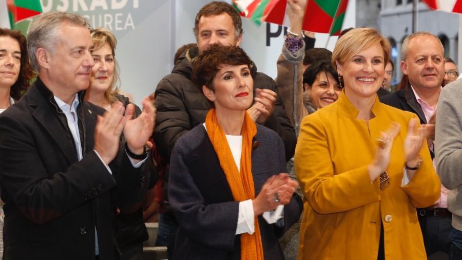 Mitina Bilbao. Almudena Otaola, Maribel Vaquero, Aitor Esteban, Iñigo Urkullu, Andoni Ortuzar