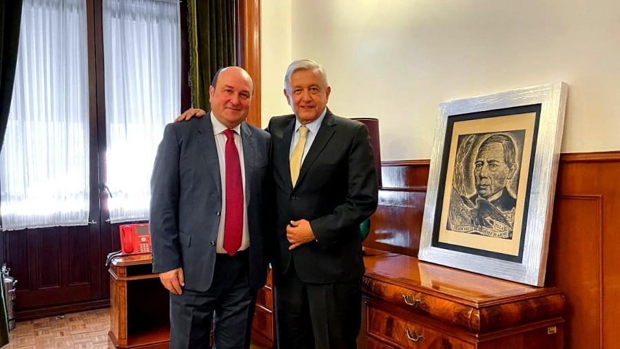 Mexikoko presidente den Andrés Manuel López Obradorrek Andoni Ortuzar jaso du