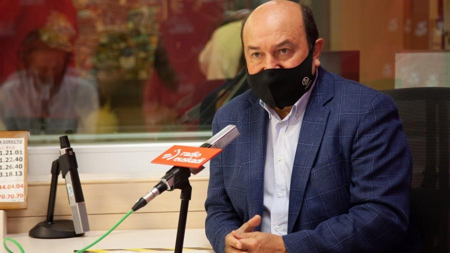 """Ortuzar: """"Casado, Merkelengana baino, Orbánengana hurbildu da; Partido Popularra muturreko eskumarantz eramaten ari da"""""""