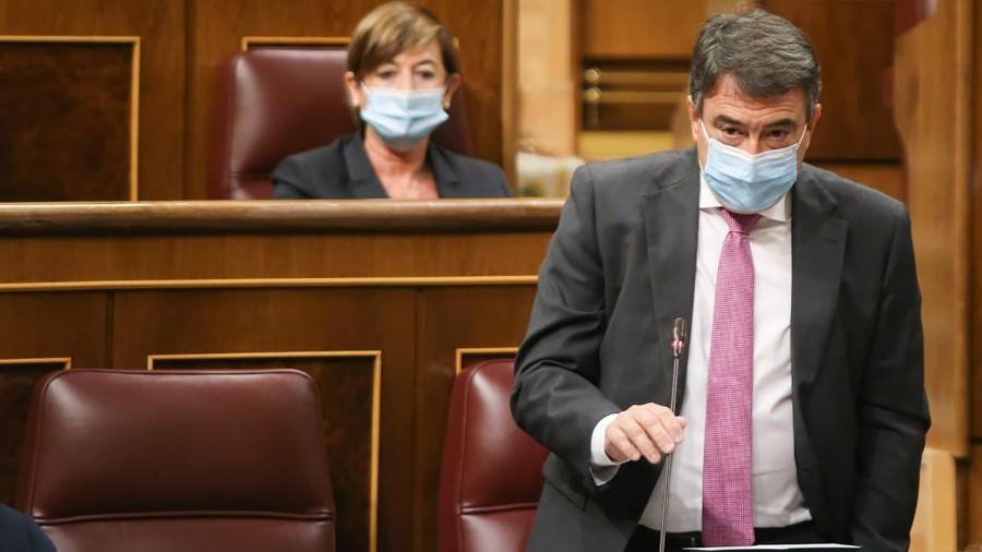 """Aitor Estebanek Espainiako Gobernuari exijitu dio zerbait egin dezala Mendebaldeko Saharan giza eskubideen urraketa """"onartezinak"""" eragozteko"""